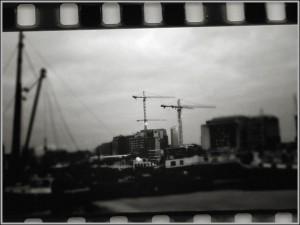 фото уроки фотошопа. Стилизация фото под кадр из старого фильма. Фотоэффект.